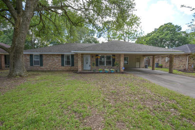 Lafayette Single Family Home For Sale: 113 Polly Lane