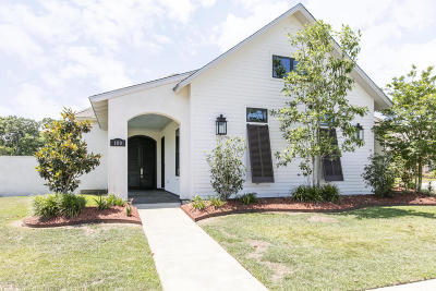 Lafayette Parish Single Family Home For Sale: 100 Perdu Hill Run