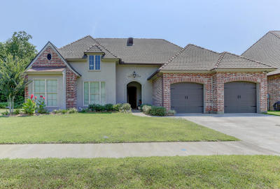 Lafayette Parish Single Family Home For Sale: 306 Old Pottery Bend