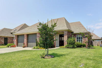 broussard Single Family Home For Sale: 300 Old Cypress Drive