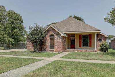 Lafayette Single Family Home For Sale: 109 River Birch Drive