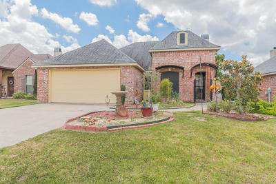 Lafayette Single Family Home For Sale: 208 Blackwater River Drive