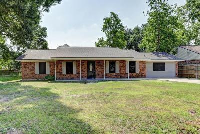 Lafayette Single Family Home For Sale: 104 Polaris Drive