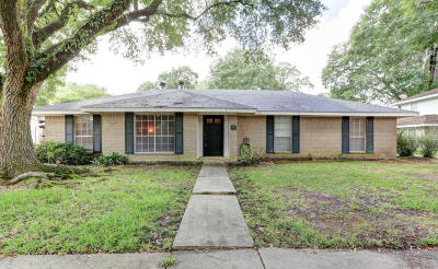 Lafayette Single Family Home For Sale: 404 Chateau Place