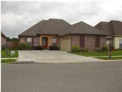 Lafayette Single Family Home For Sale: 105 Onyx Street
