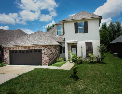 Lafayette Single Family Home For Sale: 122 Clover Leaf Drive