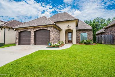 Single Family Home For Sale: 208 Croft Row