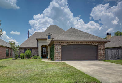 Lafayette Single Family Home For Sale: 222 Bentgrass Drive