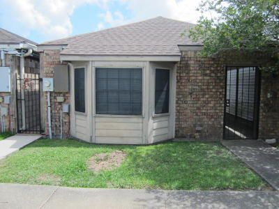 Single Family Home For Sale: 244 Woodland Circle