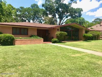 Eunice Single Family Home For Sale: 630 W Peach Avenue