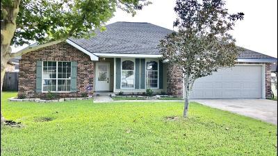 Lafayette Single Family Home For Sale: 104 Songbird Lane