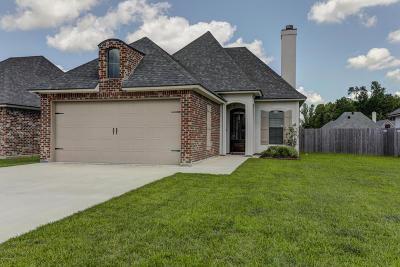 Lafayette Single Family Home For Sale: 105 Sleepy Brook Road