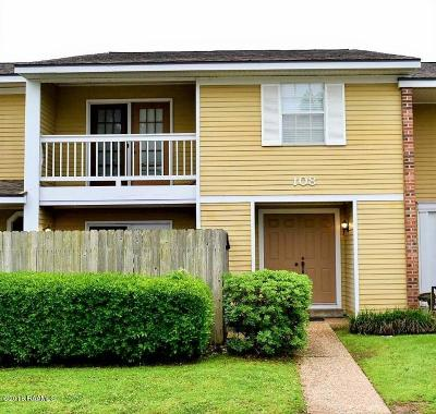 Lafayette Single Family Home For Sale: 200 Lodge Drive #108