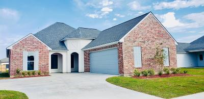 Lafayette Single Family Home For Sale: 211 Woodstone Drive