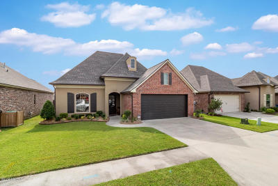 Youngsville Single Family Home For Sale: 220 Bayou Parc Drive