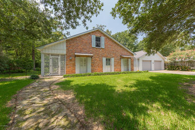 St Martinville, Breaux Bridge, Opelousas Single Family Home Active/Contingent: 2200 Jasmine Drive