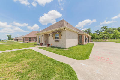 St. Martinville Single Family Home For Sale: 1045 Bunker Drive