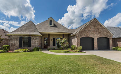 Scott Single Family Home For Sale: 105 Thomas Oak Dr.