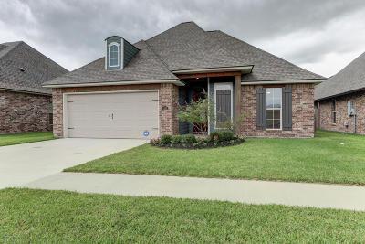 Lafayette Single Family Home For Sale: 110 Anatole Drive