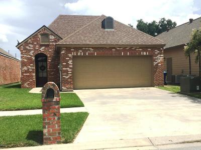 Lafayette Single Family Home For Sale: 112 Oakbend Drive