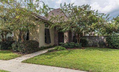 Lafayette Single Family Home For Sale: 300 Grand Pointe Boulevard