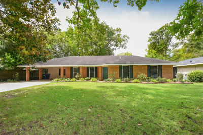 Lafayette Single Family Home For Sale: 536 Camellia Drive