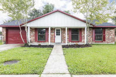 Lafayette Single Family Home For Sale: 211 Strasbourg Drive