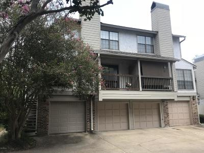 Lafayette Single Family Home For Sale: 1304 E Bayou Parkway #4d