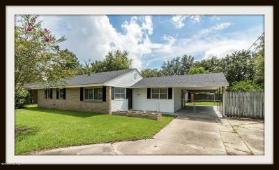 Iberia Parish Single Family Home For Sale: 207 Woodcrest Circle