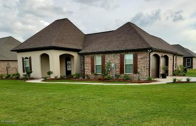Breaux Bridge Single Family Home For Sale: 1010 Grand Loop