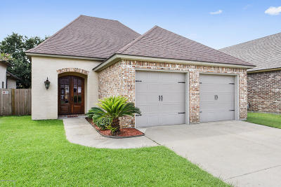 Lafayette Single Family Home For Sale: 203 Barataria Bay Point
