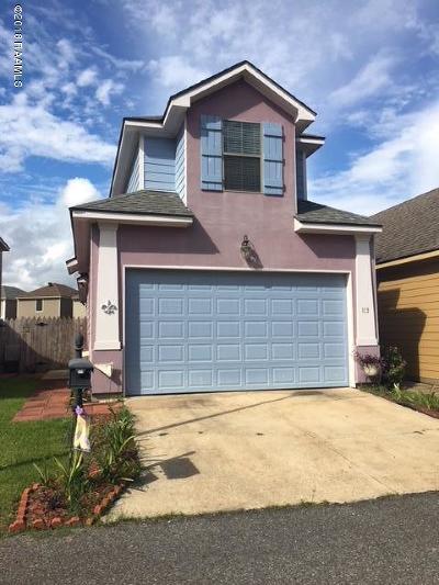 Lafayette Single Family Home For Sale: 113 Villa Park Lane