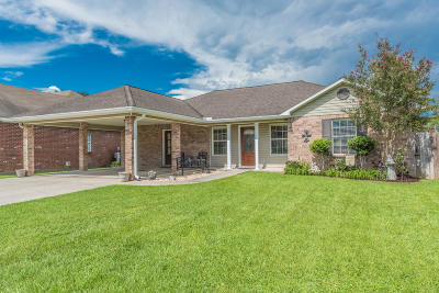 Lafayette Single Family Home For Sale: 208 Wildflower Lane