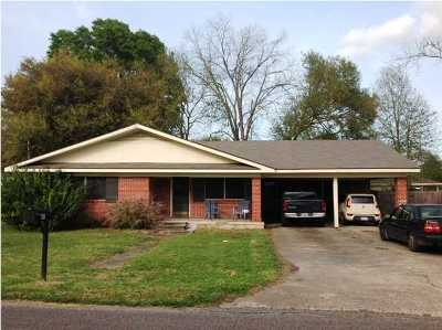 Broussard Single Family Home For Sale: 409 E 2nd Street