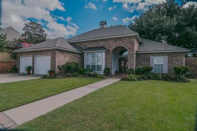 Lafayette Single Family Home For Sale: 113 Belle Maison Drive