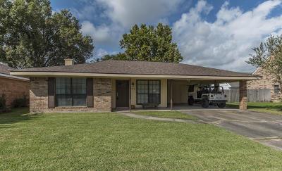 Lafayette  Single Family Home For Sale: 402 Golden Fields Drive