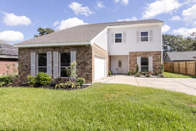 Lafayette Single Family Home For Sale: 106 Chantilly Circle