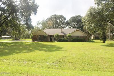 Lafayette  Single Family Home For Sale: 106 Tarpon Street