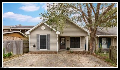Lafayette  Single Family Home For Sale: 127 Gena Marie Drive