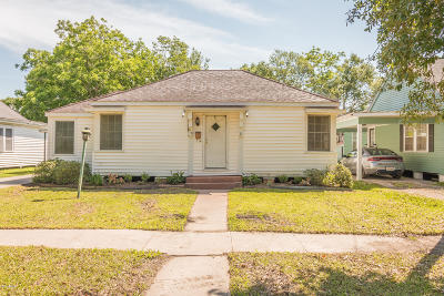 Single Family Home For Sale: 818 N Ave K