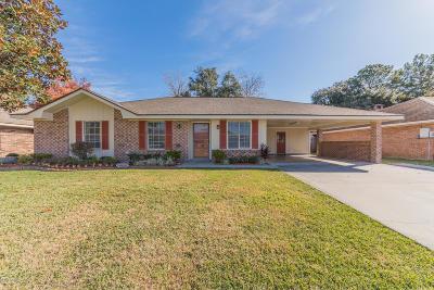 Lafayette Single Family Home For Sale: 110 Saint Nicholas Drive