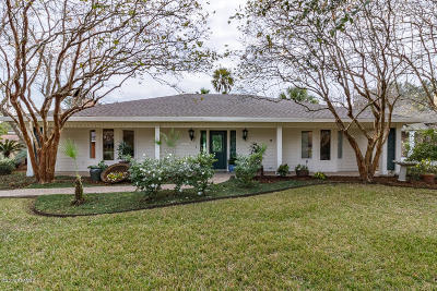 Lafayette Single Family Home For Sale: 1103 W Bayou Parkway