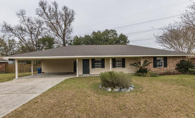 Lafayette Single Family Home For Sale: 107 E Bayou Shore Street