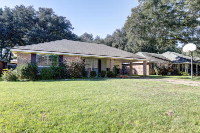 Lafayette Single Family Home For Sale: 232 Orangewood Drive