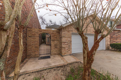 Single Family Home For Sale: 132 Ambiance Circle