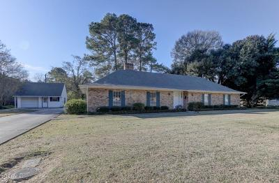 St Martinville, Breaux Bridge, Opelousas Single Family Home For Sale: 2327 W Landry Street
