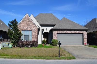 Lafayette Single Family Home For Sale: 126 Clover Leaf Drive