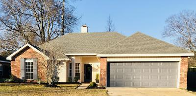 broussard Single Family Home For Sale: 702 Burlington Circle