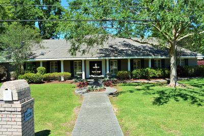 Lafayette Single Family Home For Sale: 256 Monteigne Drive