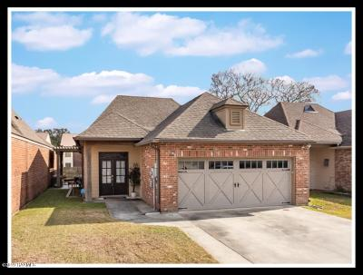 Lafayette  Single Family Home For Sale: 120 Oakbend Drive